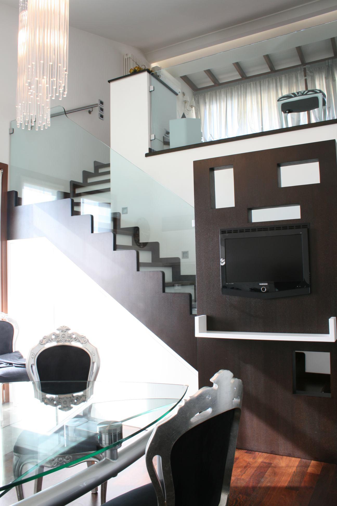 scale con mobile tv integrato