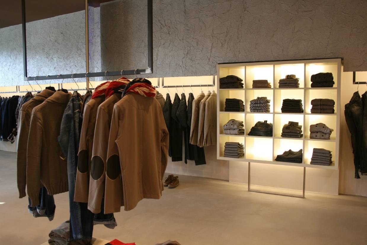 COLL WEAR - Concept Store
